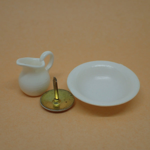 Ewer and basin set, 1/24th scale