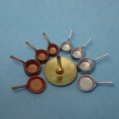 Traditional pans set, 1/48th scale