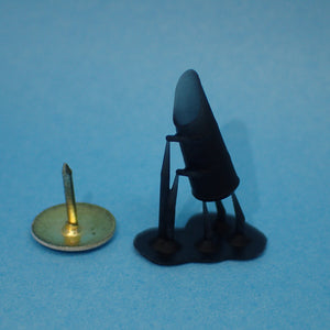Upright coal scuttle, 1/48th scale