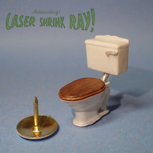 Traditional low cistern toilet, 1/48th scale