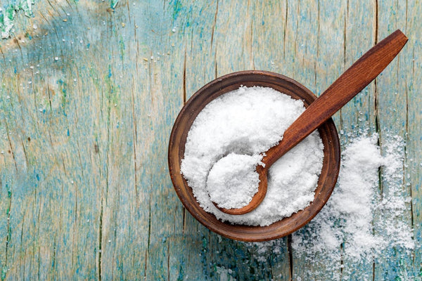 Is sodium bad for you: Salt on a bowl