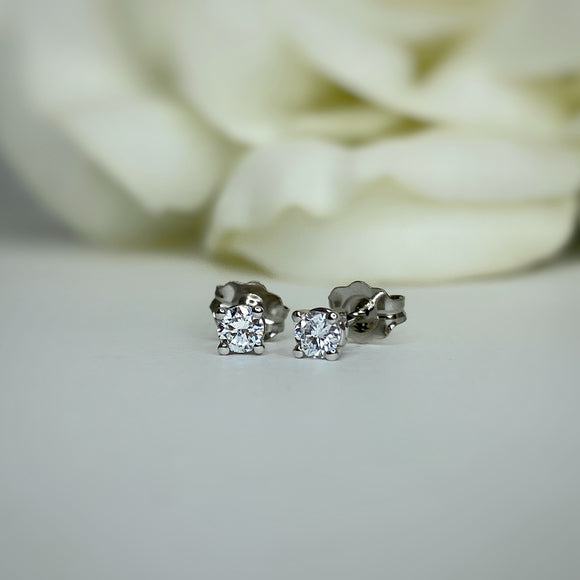 14k white gold lab grown .20ctw diamond studs
