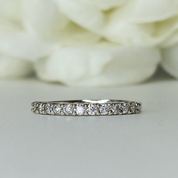 AR 11521 claw set diamond band - size 7