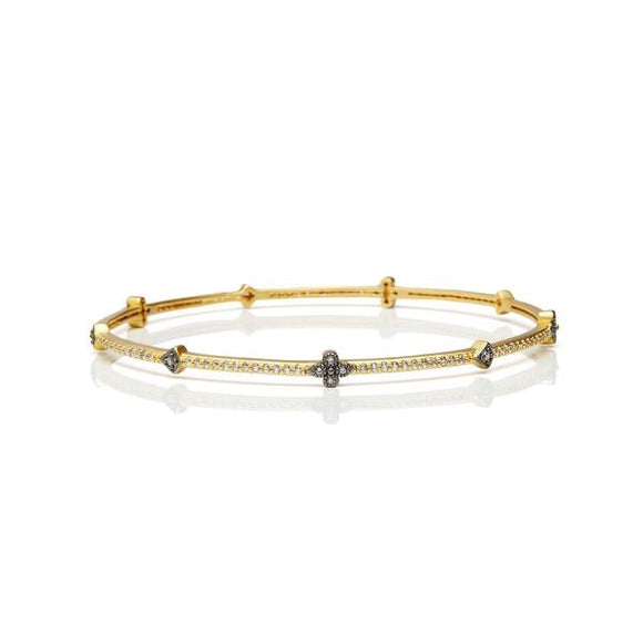 Signature clover station bangle