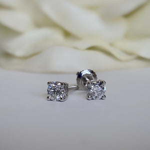 14k white gold diamond stud -.50ctw