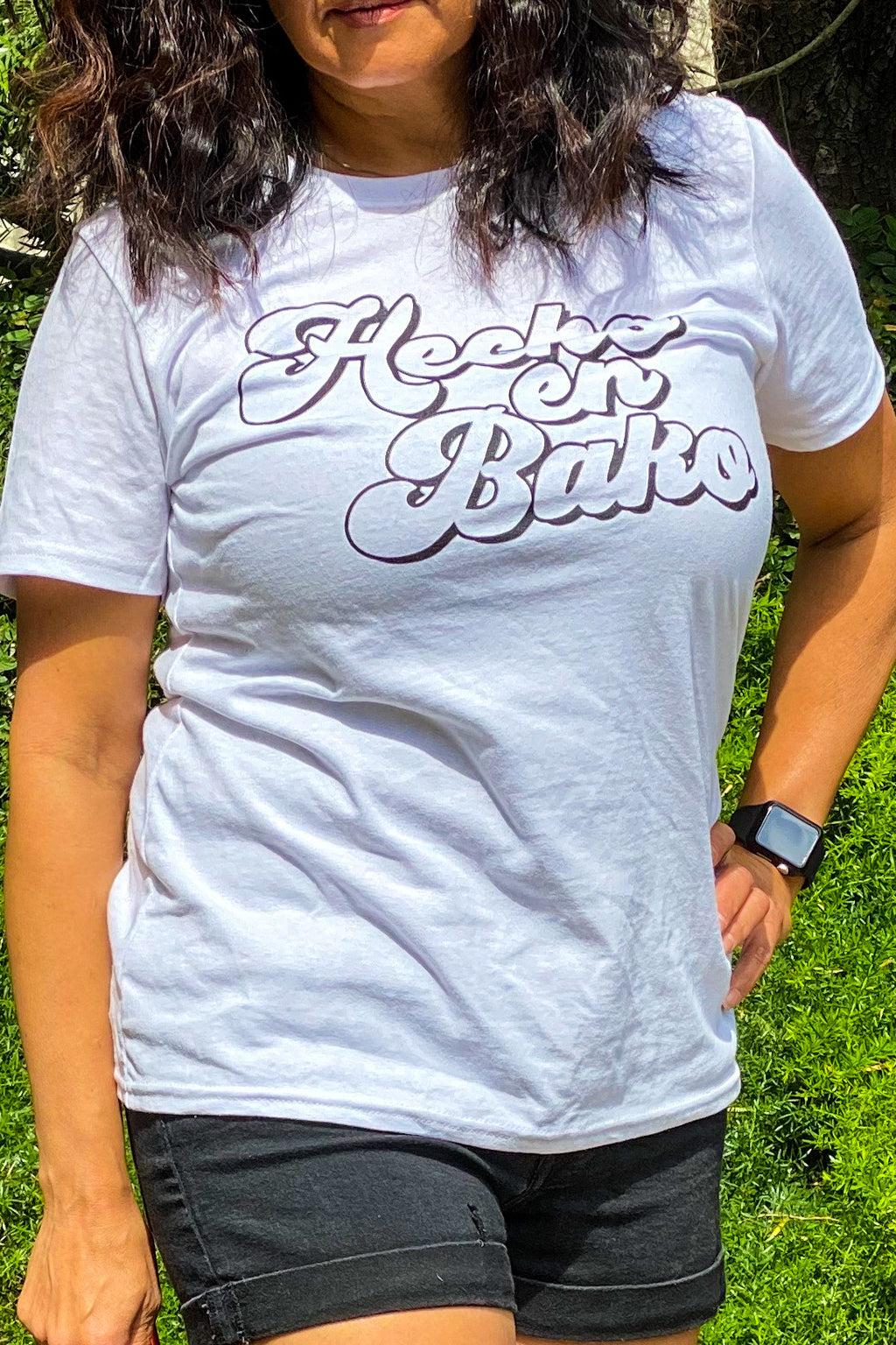 HECHO IN BAKO WOMEN'S WHITE TEE