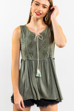 Diamond Shape Embroidered Top w/ Dip Dyed Tassel Tie Closure