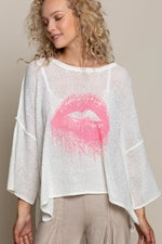 Lip Sweater