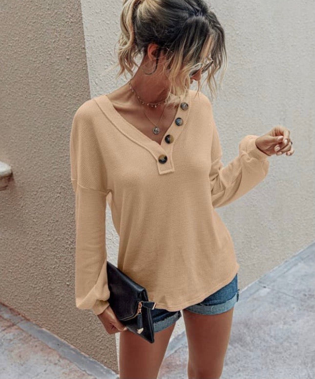 Button Lounge Top