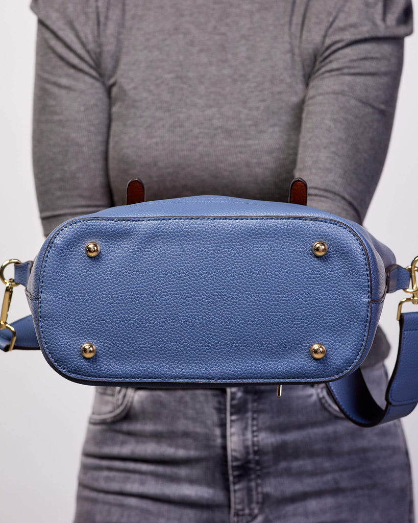 Load image into Gallery viewer, LOUENHIDE RUMER TOP HANDLE BAG - BLUE