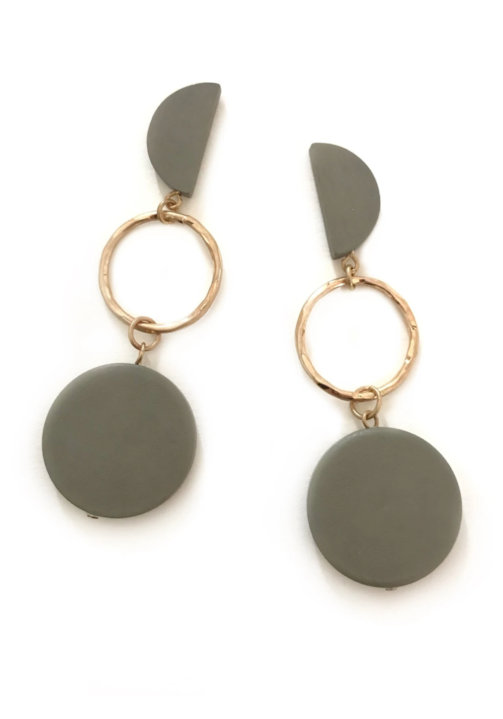 Load image into Gallery viewer, ZODA - EVE EARRINGS IN GREY