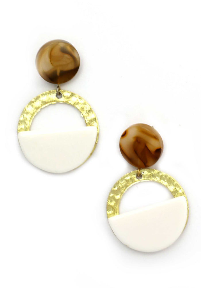 Load image into Gallery viewer, NATURAL RESIN WITH GOLD CIRCLE DROP EARRING