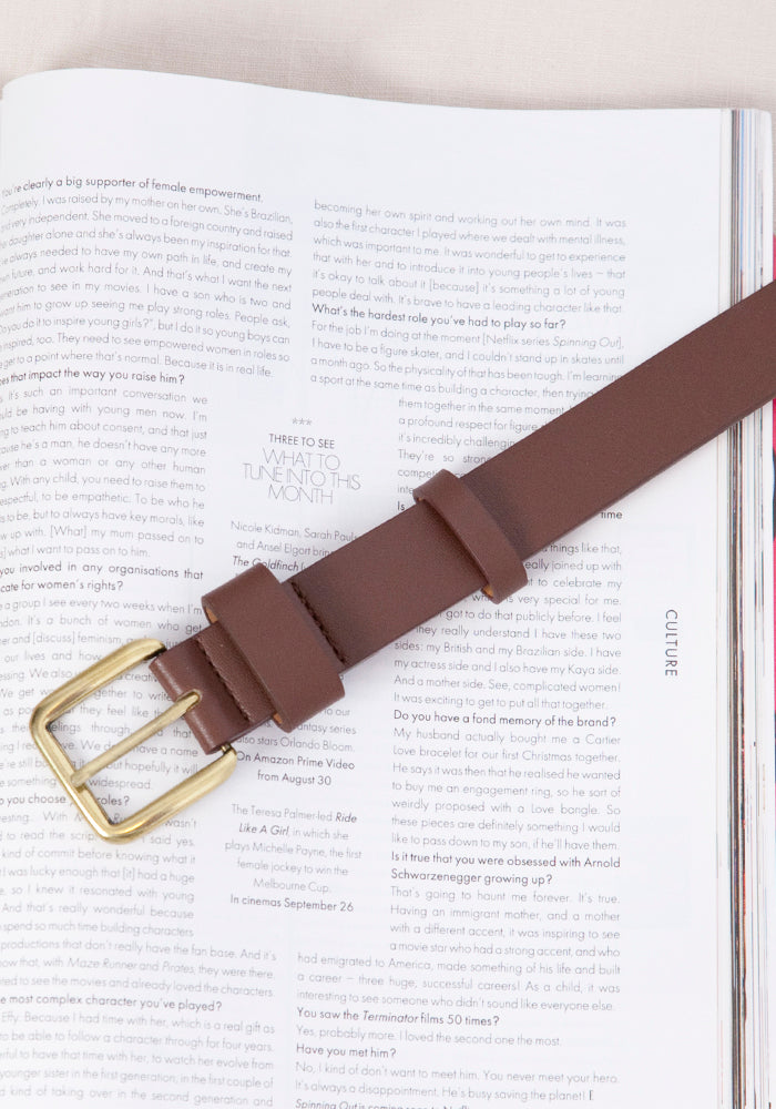 GOLD BUCKLE PLEATHER BELT - CHOCOLATE