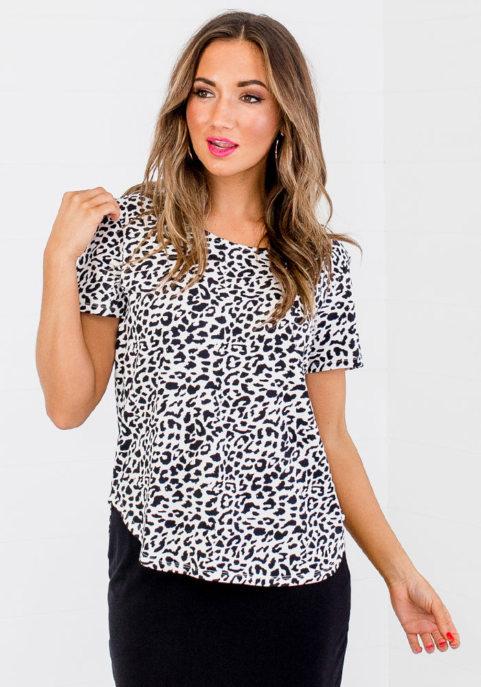 Load image into Gallery viewer, BAMBOO JANIS TEE - BLACK LEOPARD