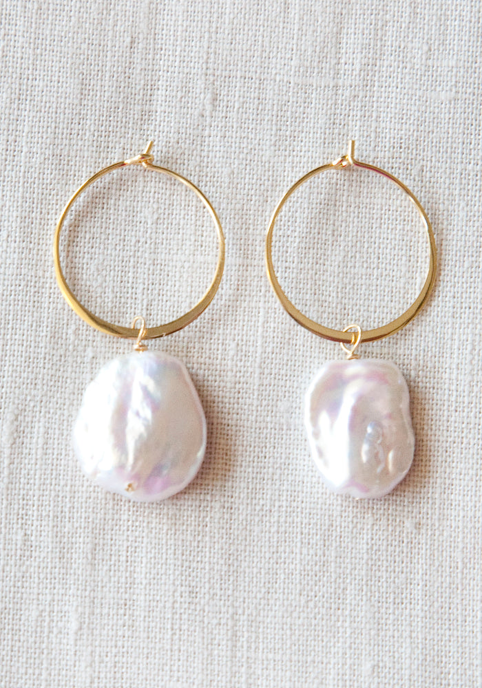 Load image into Gallery viewer, LOLITA'S PEARLS - BARCELONA HOOP - GOLD