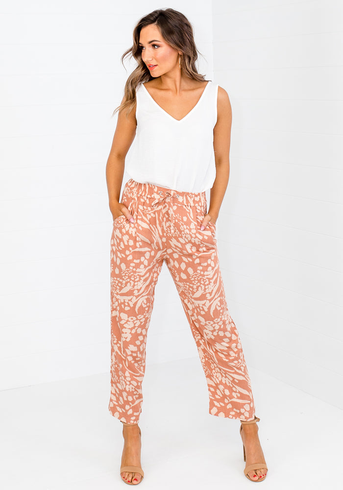 Load image into Gallery viewer, MILA PRINT TAPERED PANT