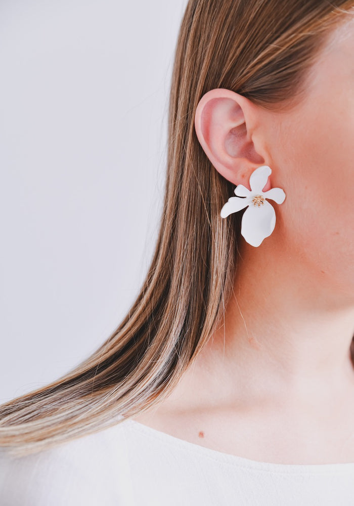 ZAFINO - LARGE ORCHID FLOWER STUD EARRINGS - WHITE