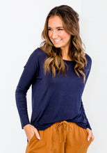 Load image into Gallery viewer, STACE SLOUCH HI-LOW TEE - NAVY