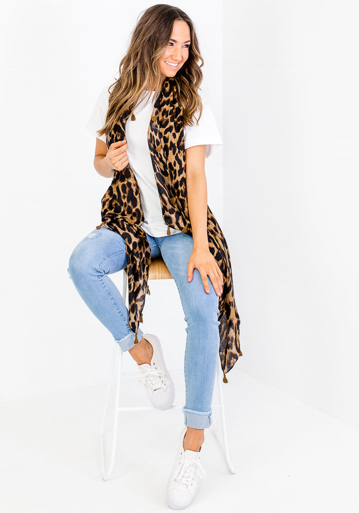 Load image into Gallery viewer, TASSEL TRIM SCARF - TAN LEOPARD