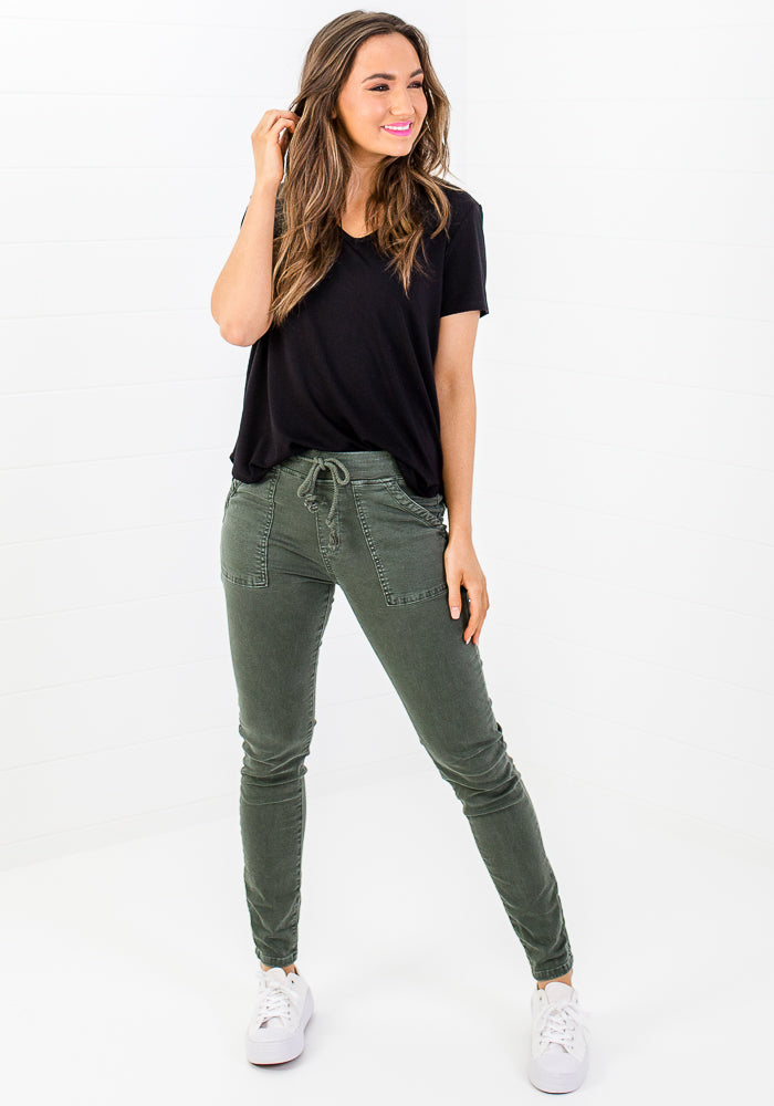 Load image into Gallery viewer, LACHLAN FITTED STRETCH JOGGER - KHAKI