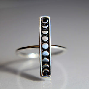 hautegoths - Moon Phase Ring