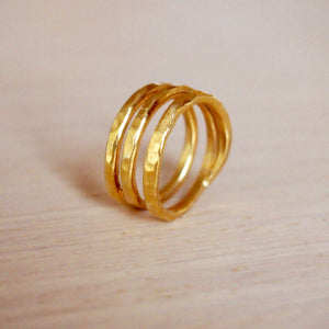 Gold stripes ring