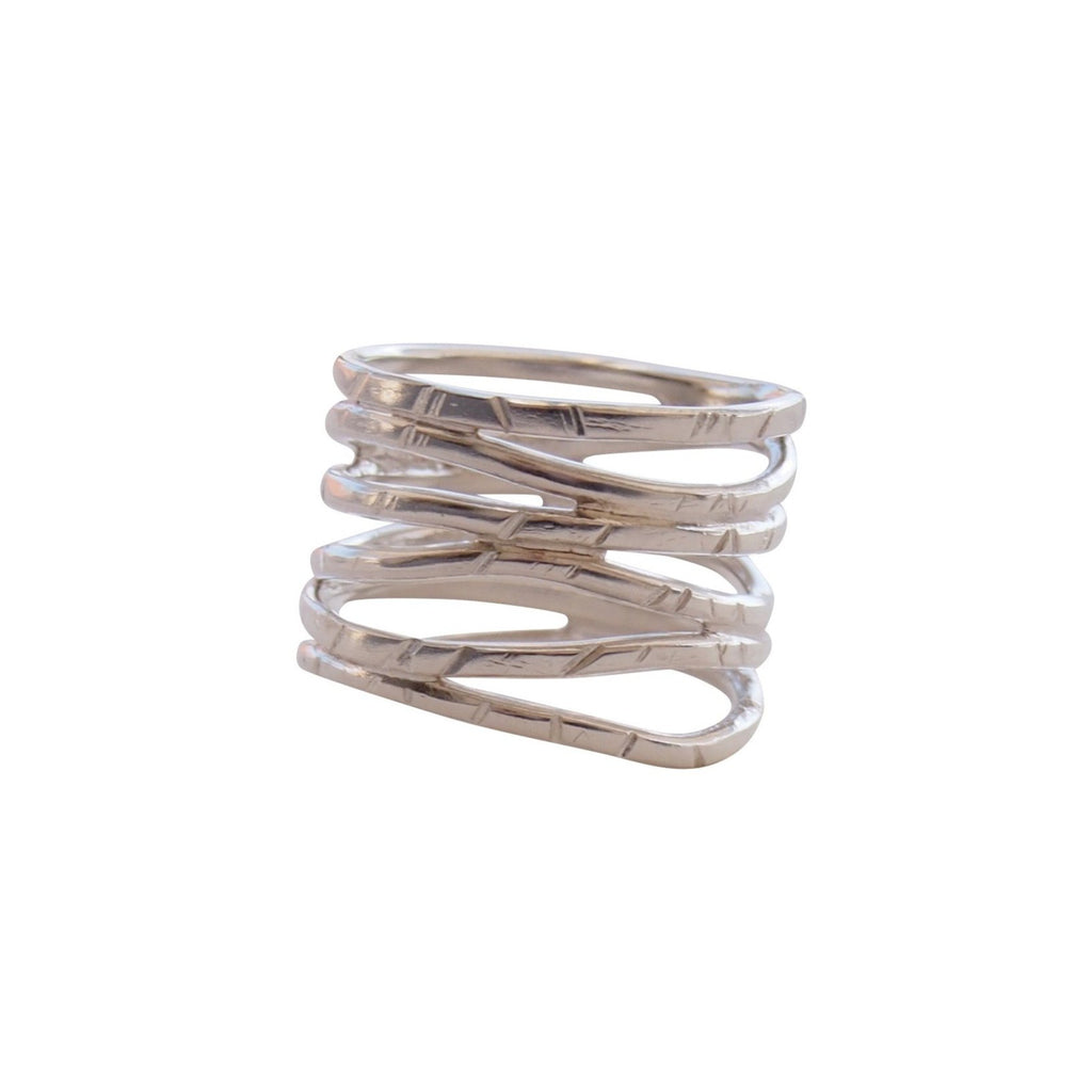 Wave ring in silver