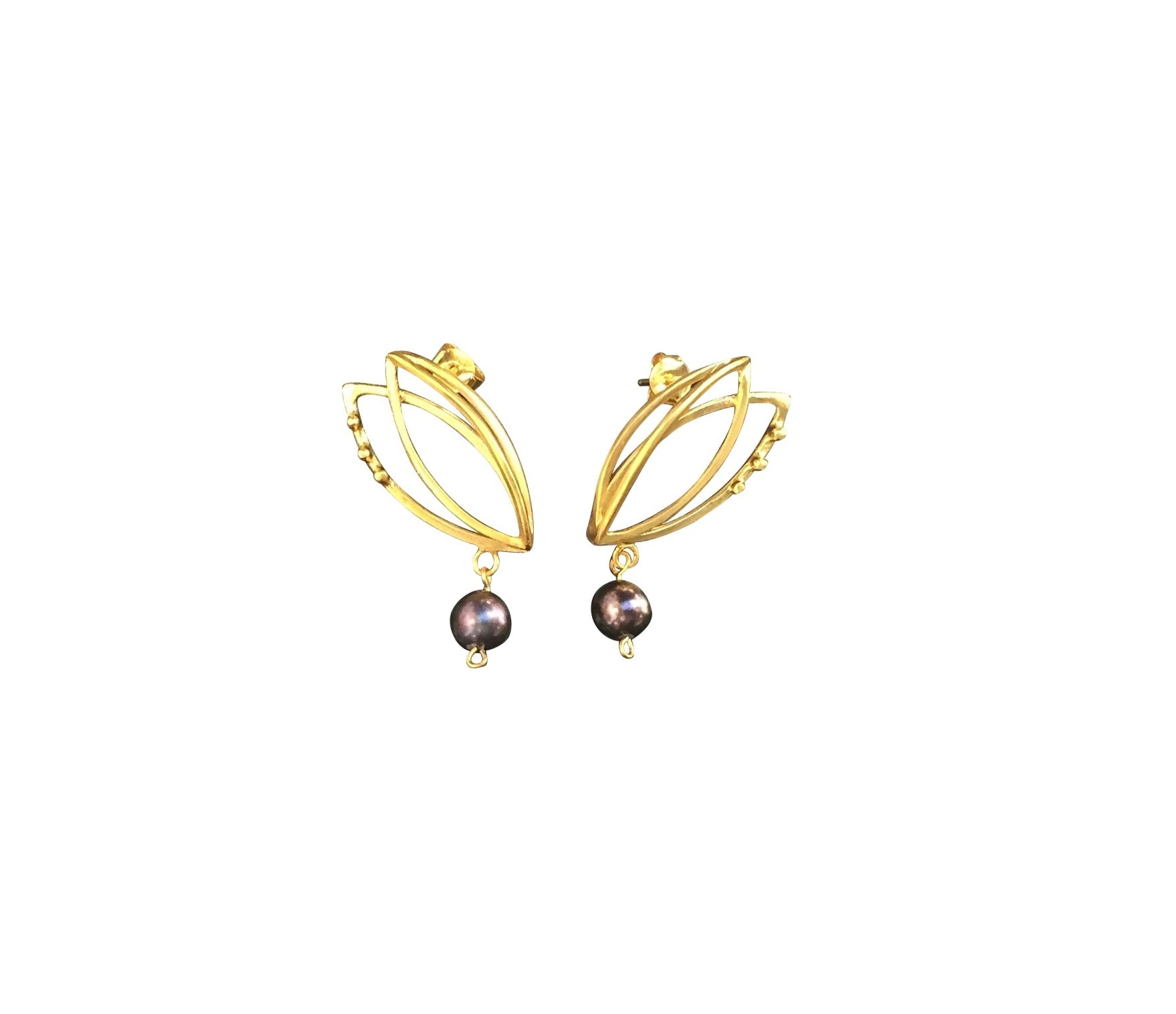 Gold tulip climbers with black pearls