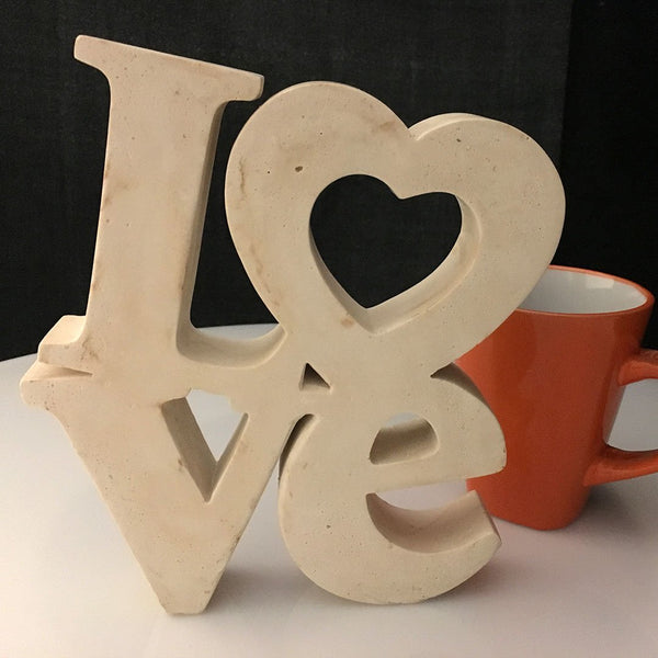 Escultura letras Love Marfil - Camaleon-art - concrete shop art
