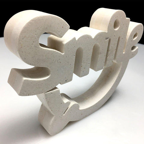 Escultura Smile Blanco picado - Camaleon-art - concrete shop art