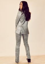 Afbeelding in Gallery-weergave laden, GLITTER AND GLAMOUR BLAZER // SILVER