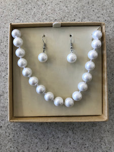 Boxed White Crushed Seashell Pearl Beads Necklace & Earrings