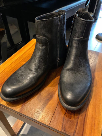 Robert Seña's Zara Black Leather Boots