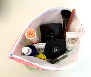 Getting Ready with Cecil - Make up / Toiletry bag