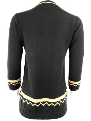 D.EXTERIOR BLACK AND CAMEL TUNIC