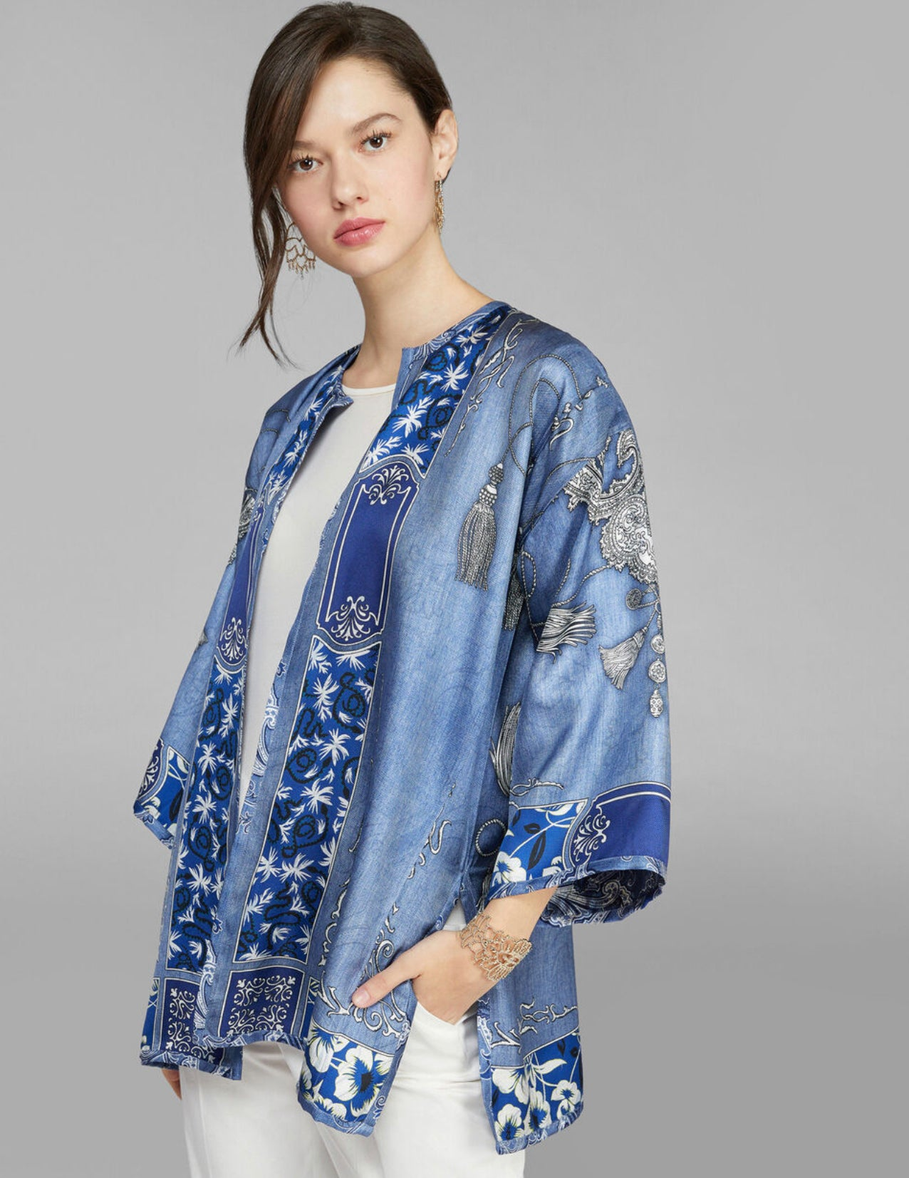 BANDANA PRINT DOUBLE-SIDED PONCHO (4590985936973)
