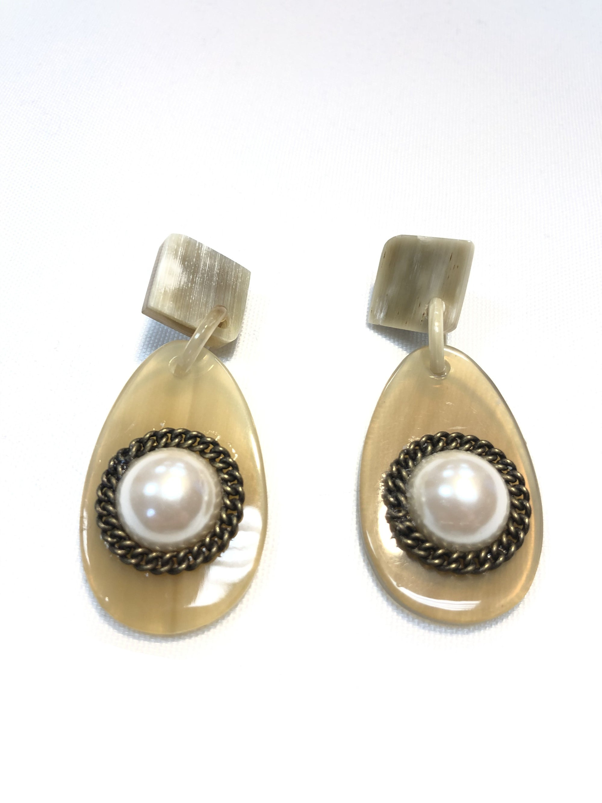BUTTON DOWN FRESHWATER PEARL DROP EARRINGS