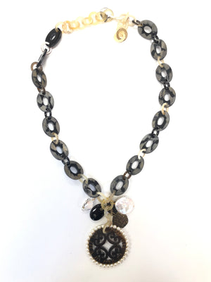 BUTTON DOWN STONE LINK AND MEDALLION NECKLACE - SHORT