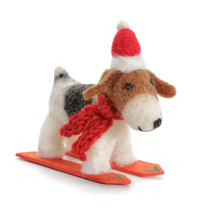 AMICA FELT FOX TERRIER WITH A HAT & SCARF ON SKIS
