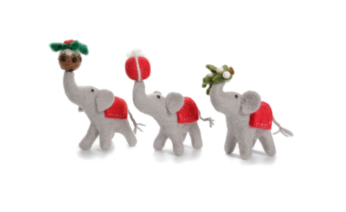 AMICA FELT ELEPHANT SET WITH PRESENT, MISTLETOE, AND PUDDING