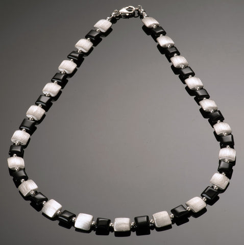 straight 9 onyx necklace