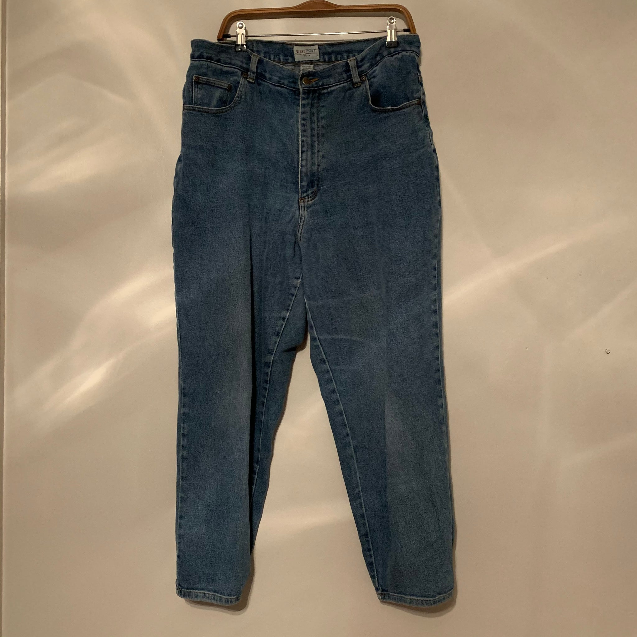 'Elin' Oversized Medium Wash Vintage Jeans (L/XL)