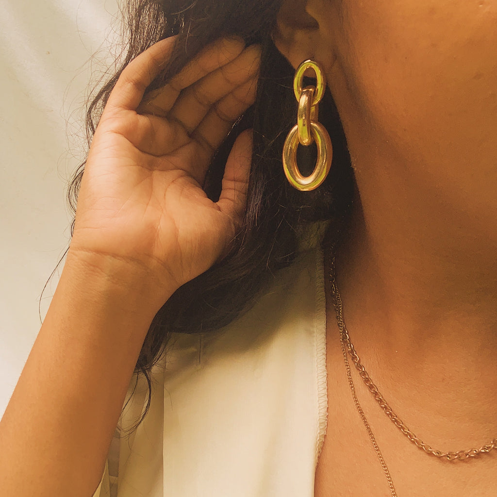 Gold Oval Chain Drop Earrings - Shop Vanilla Vintage