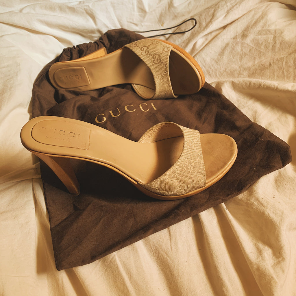 Gucci GG Canvas Print Tan Wooden Mules (Sz. 9) - Shop Vanilla Vintage