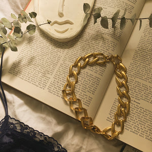 Vintage Oversized Gold Chain Choker