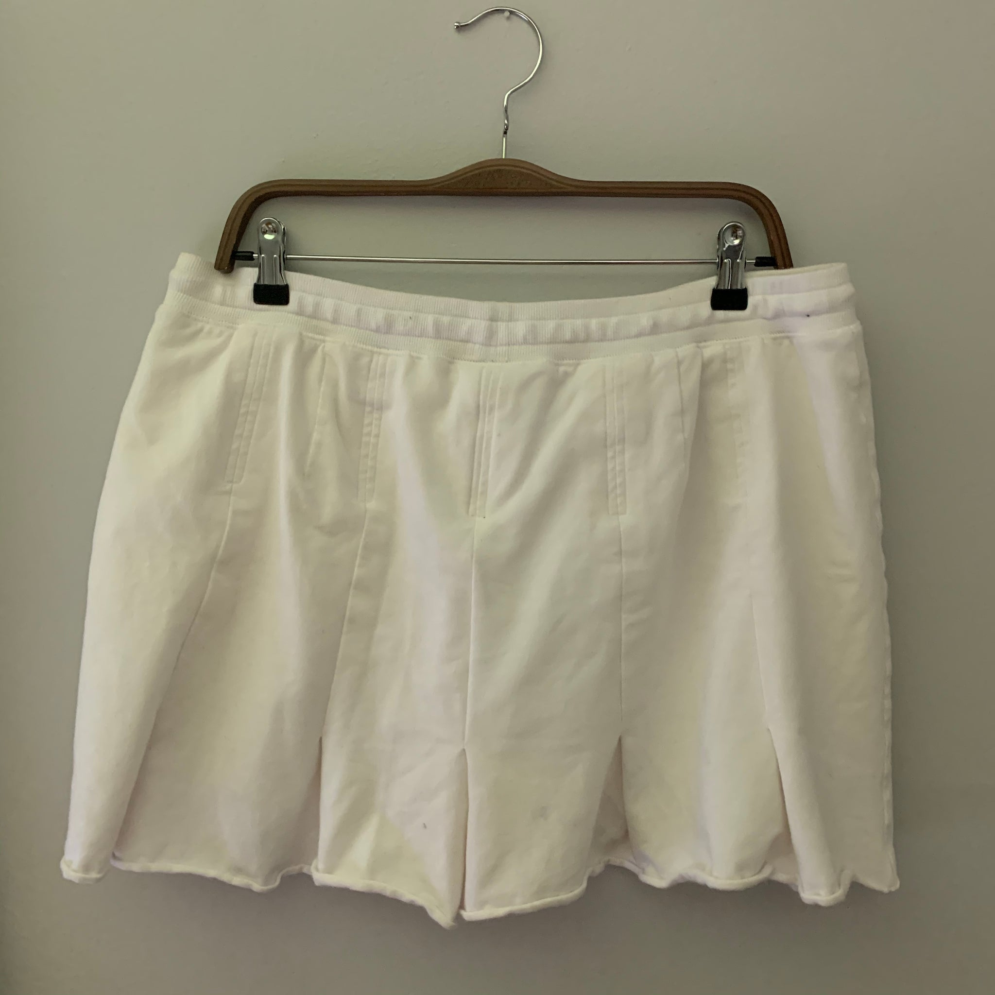 'Marnie' White Pleated Tennis Skort (XL/XXL)