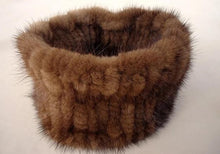 Load image into Gallery viewer, Knitted Mink Fur Cowls (Varied Colors) - fetefurcoats