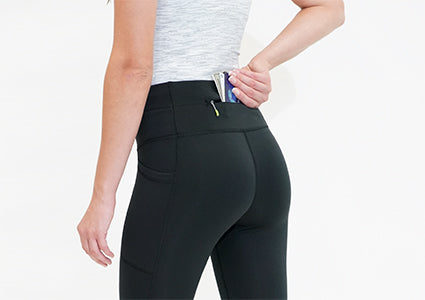 inserting phone into the flipbelt crops