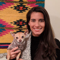 Mikaela Mendizábal with pet: Stewart