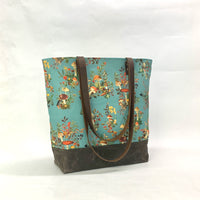 Woodland Foliage / Waxed Canvas Tote Bag with Leather Straps